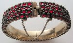 Aah, this garnet bracelet is sheer poetry!